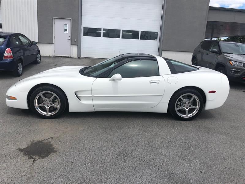 Chevrolet Corvette 2000 2dr Cpe #05285