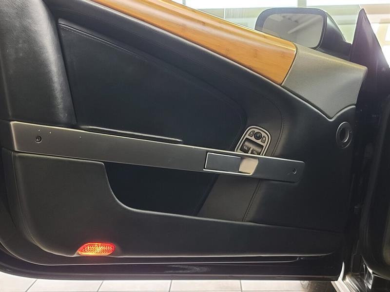 Aston Martin DB9 14