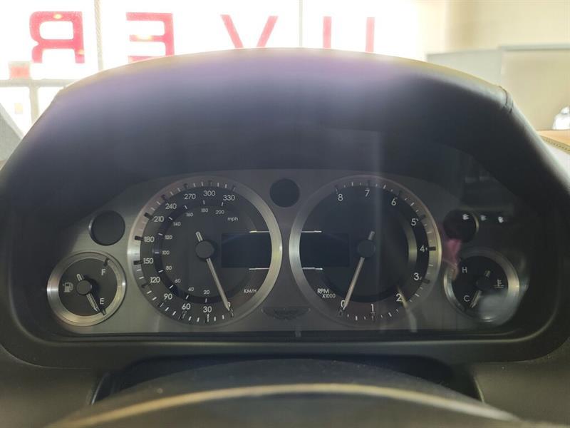 Aston Martin DB9 21