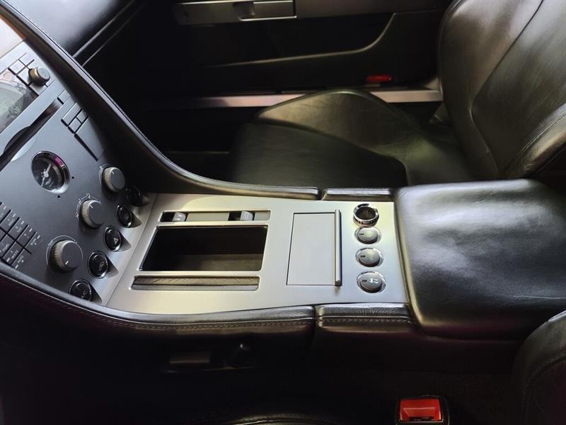Aston Martin DB9 24