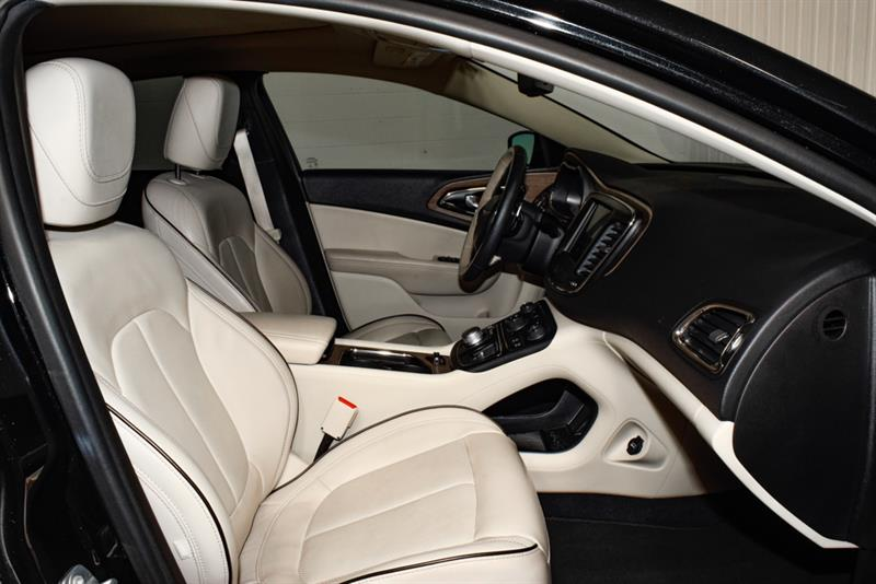 Chrysler 200 15