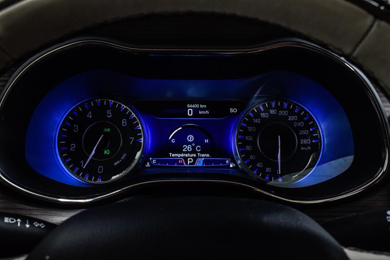Chrysler 200 24
