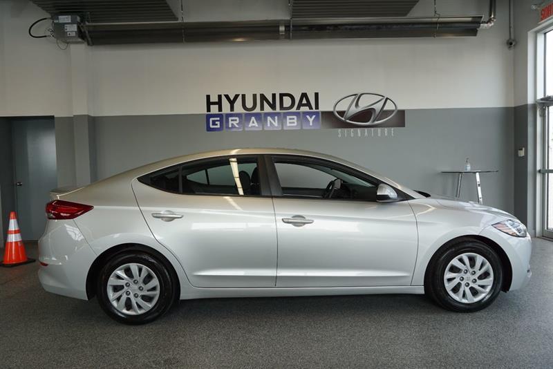 Hyundai Elantra Sedan 2