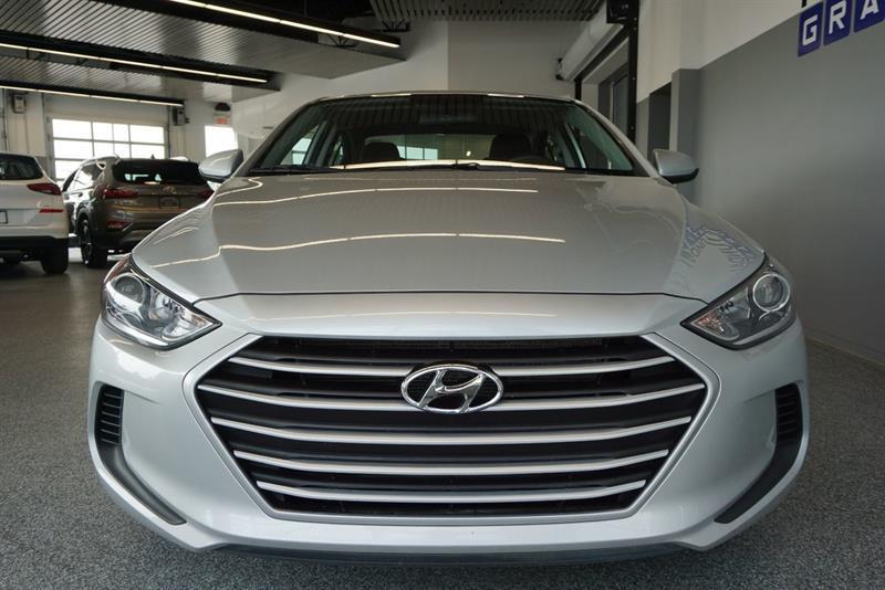 Hyundai Elantra Sedan 3