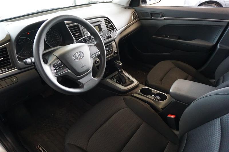 Hyundai Elantra Sedan 15
