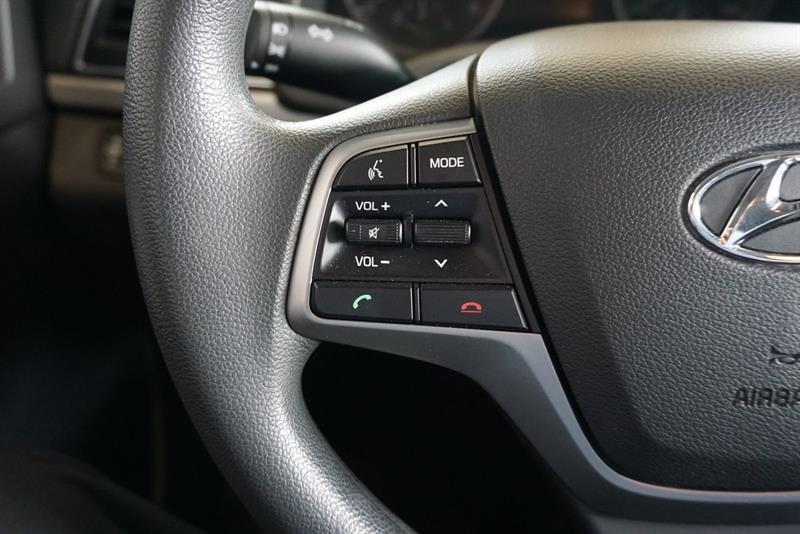 Hyundai Elantra Sedan 22