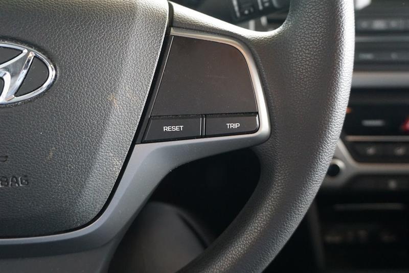 Hyundai Elantra Sedan 23