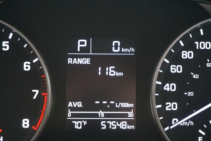 Hyundai Elantra Sedan 24