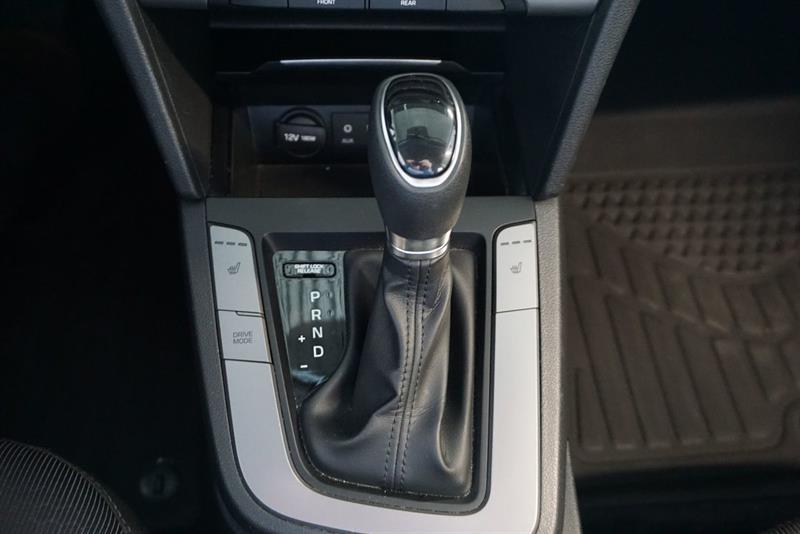 Hyundai Elantra Sedan 29