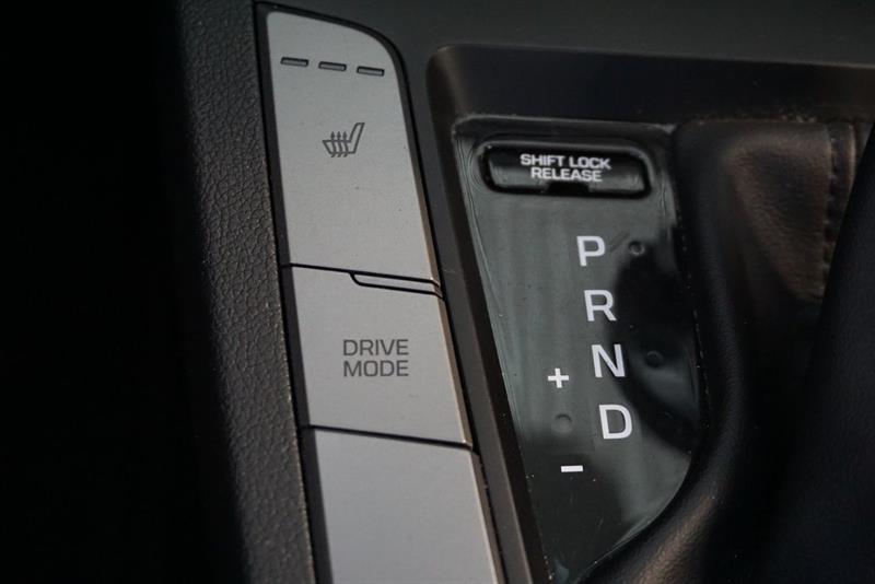 Hyundai Elantra Sedan 30