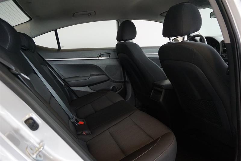 Hyundai Elantra Sedan 35