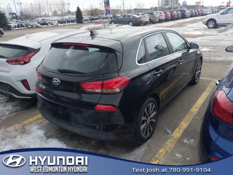 Hyundai Elantra GT 4