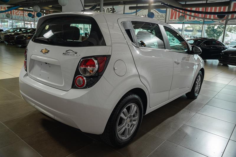 Chevrolet Sonic 6