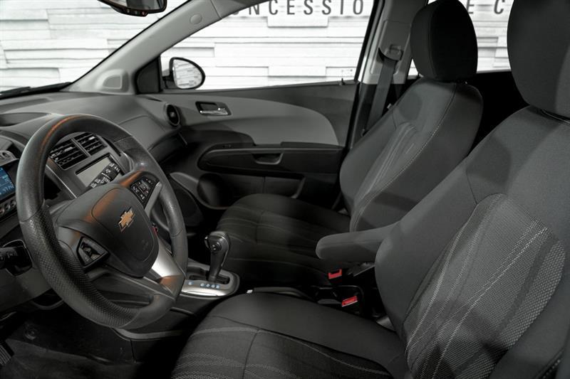 Chevrolet Sonic 12