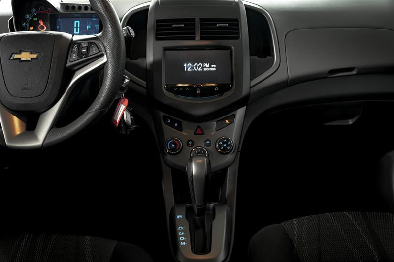 Chevrolet Sonic 21