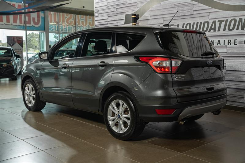 Ford Escape 4