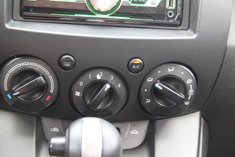 Mazda 2 14