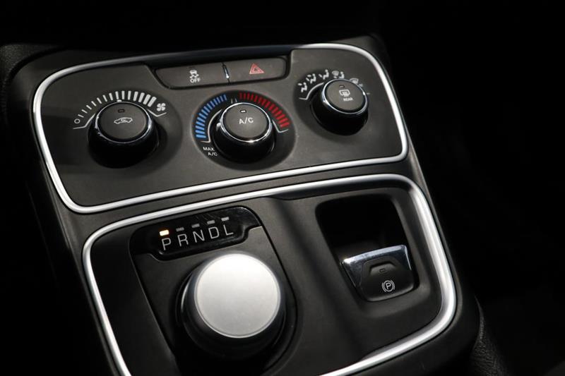 Chrysler 200 13