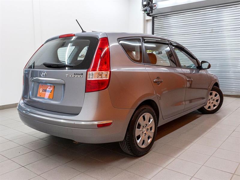 Hyundai Elantra 8