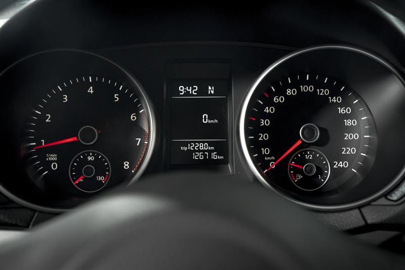Volkswagen Golf 16