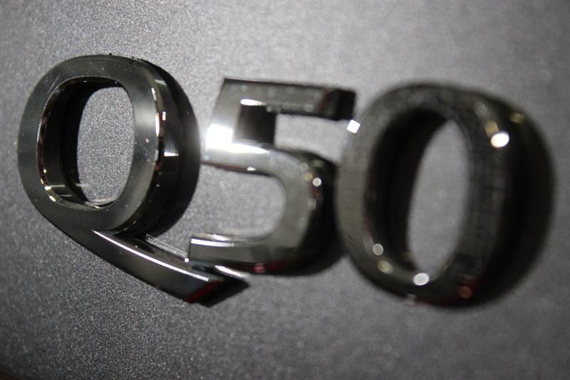 Infiniti Q50 4