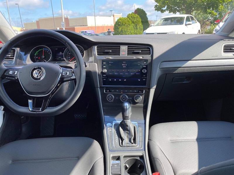 Volkswagen e-Golf 10