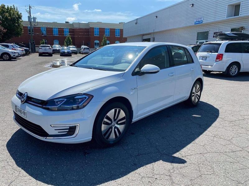 Volkswagen e-Golf 11