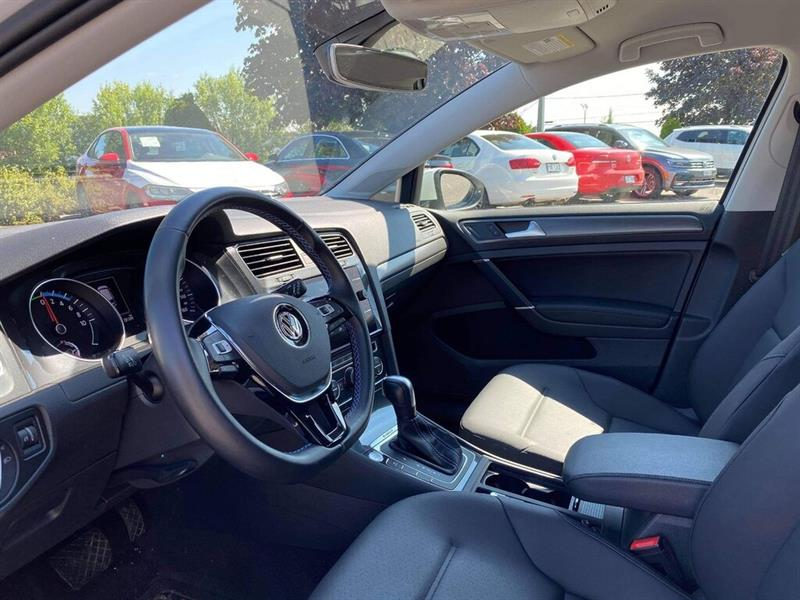Volkswagen e-Golf 15