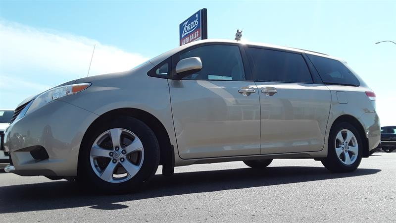 2011 Toyota Sienna LE 8 Passenger #P721