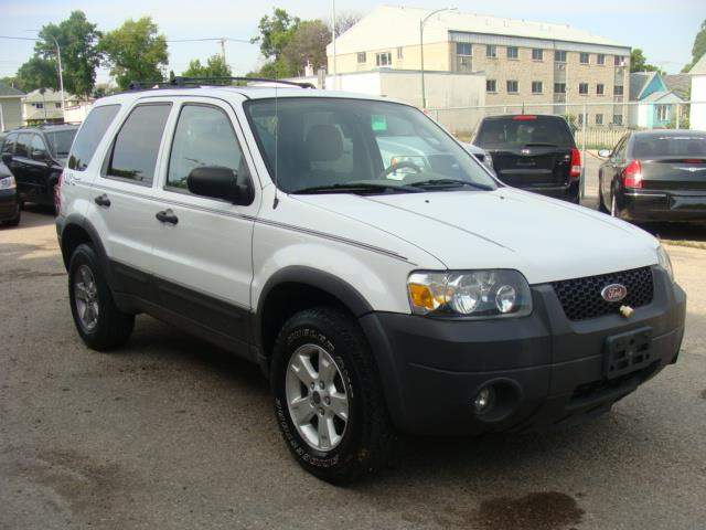 2005 Ford Escape  A.W.D. X L T  #1869