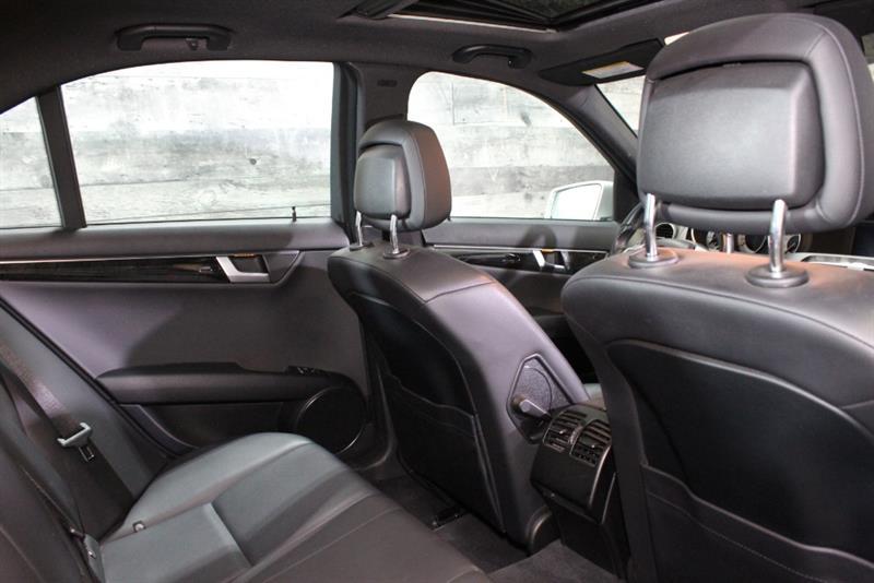 Mercedes-Benz C-Class 19
