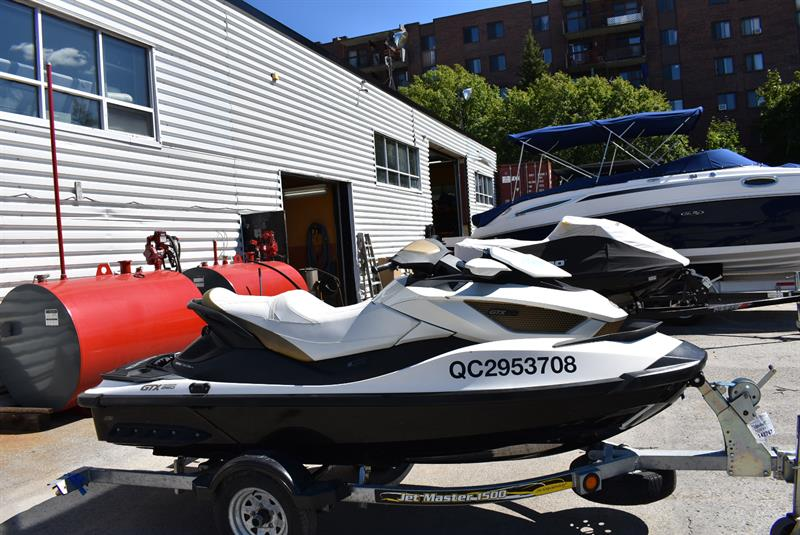 Bombardier GTX LIMITED 2011 Sea Doo 3 places 260Hp