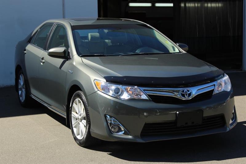 2013 Toyota Camry Hybrid XLE - Navigation. Blind Spot Monitoring. #13069A (KEY 94)
