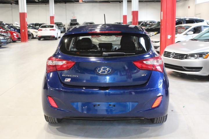 Hyundai Elantra GT 7
