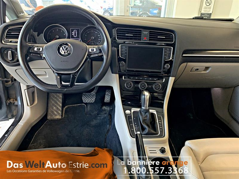 Volkswagen Golf 5-Door 11