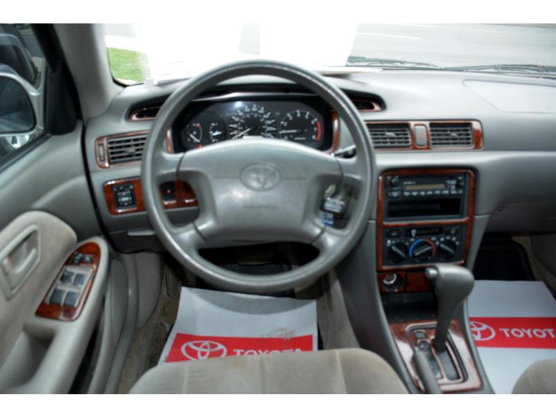 Toyota Camry 20