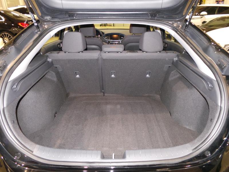Hyundai Ioniq Hybrid 15
