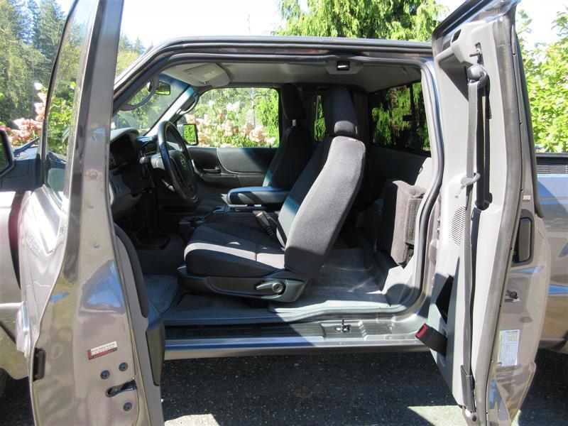 Mazda B4000 18
