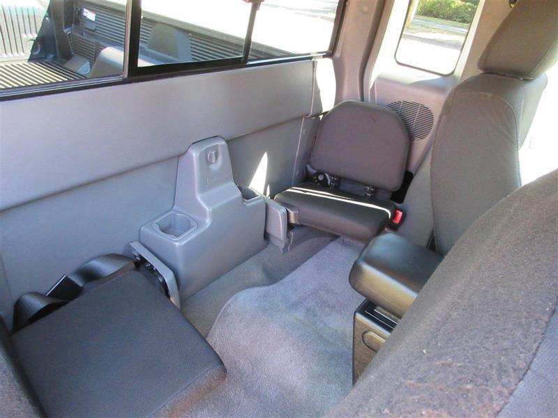 Mazda B4000 21
