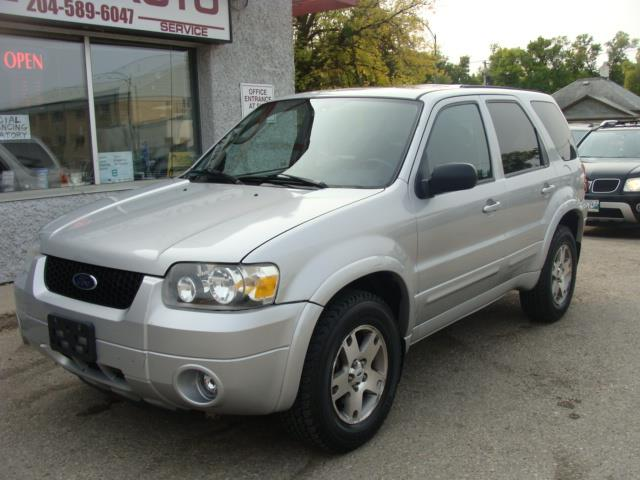 2005 Ford Escape  A.W.D. LTD