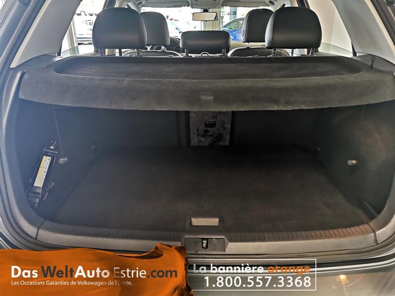 Volkswagen Golf 5-Door 6