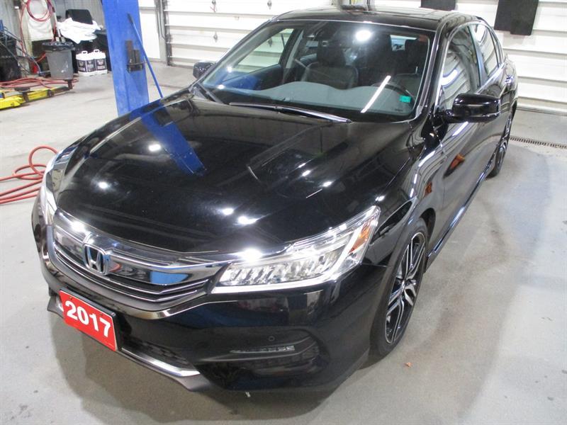 2017 Honda Accord Sedan 4dr I4 CVT Touring #HA808182A