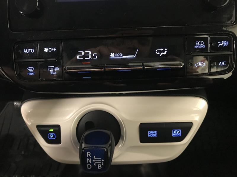 toyota Prius 2017 - 10