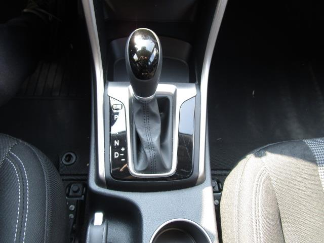 Hyundai Elantra GT 33
