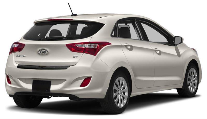 Hyundai Elantra GT 3