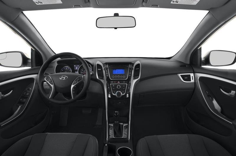 Hyundai Elantra GT 5