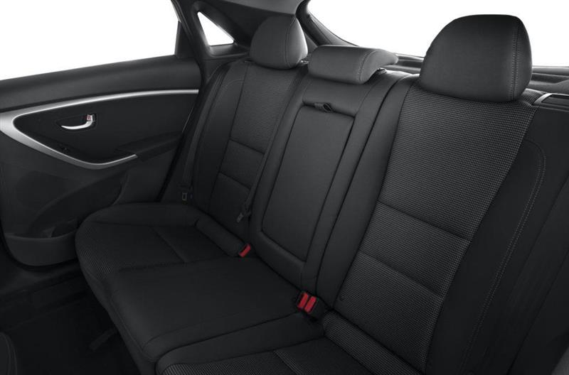 Hyundai Elantra GT 8