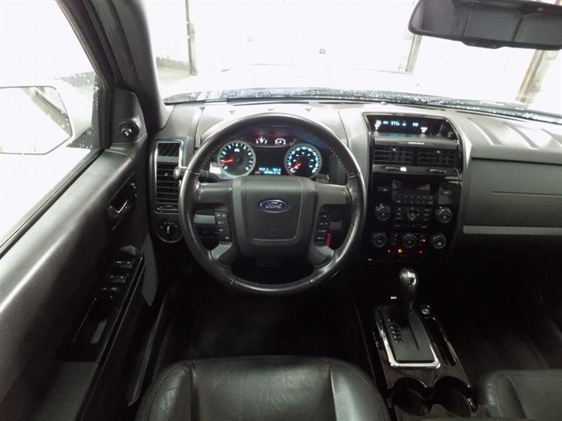 Ford Escape 4WD 14