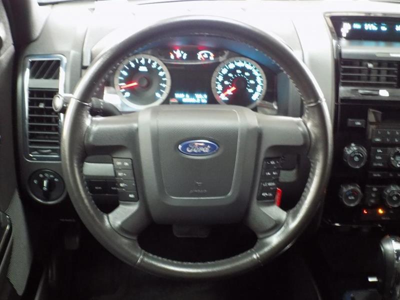 Ford Escape 4WD 15