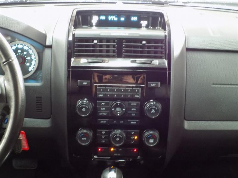 Ford Escape 4WD 16